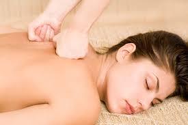 Efficaces contre les courbatures, le deep tissue ou massage sportif était à l'origine destiné aux athlètes.