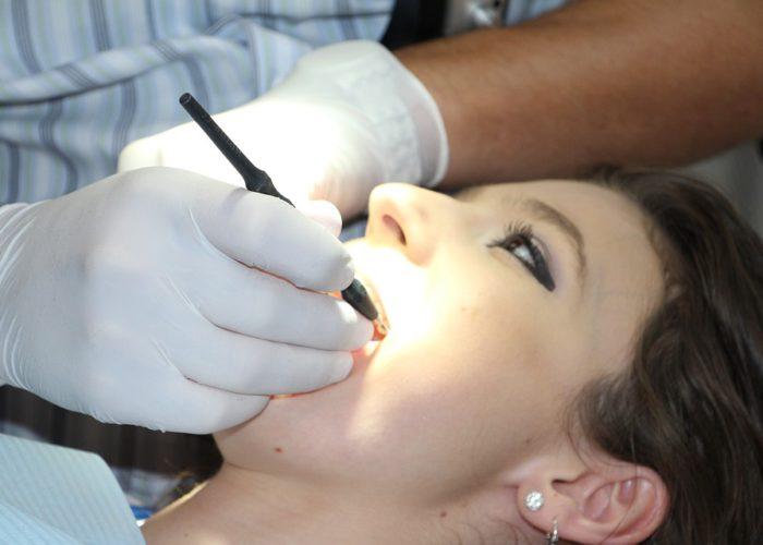 httpswww.iniaina.com_Comment se déroule la pose de l'implant dentaire